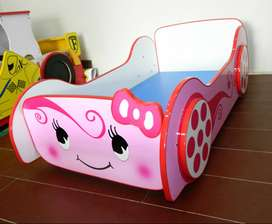 Girls Car Bed for Bedroom Sale in Pakistan only for 5 year kids