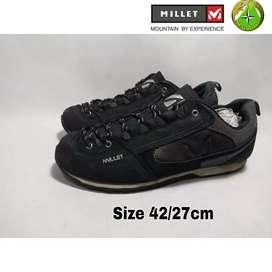 Sepatu Second Millet