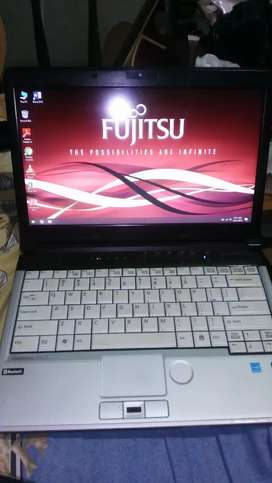 Fujitsu lifebook s561 core i5 13.3 inch built-up, notebook laptop