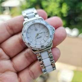 FOR SALE : TAG HEUER F1 LADIES FULL DIAMOND WITH WHITE CERAMIC BEZEL