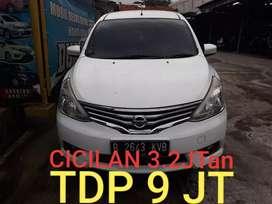 Nissan Grand Livina SV 1.5 Metic 2013 new model tdp9jt angsuran murah
