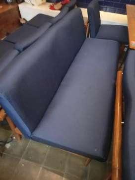 Ahli reparasi kursi kantor, kursi resto, kursi makan, kursi cafe