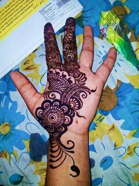 I'm a mehandi designer for bridal mehandi for marriage