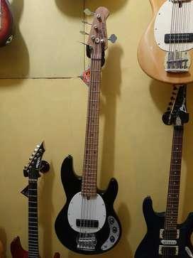 Bass Ernie Ball Music Man 5 snare
