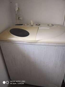 Samasung semi automatic washing machine