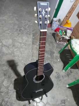 Gitar akustik awet