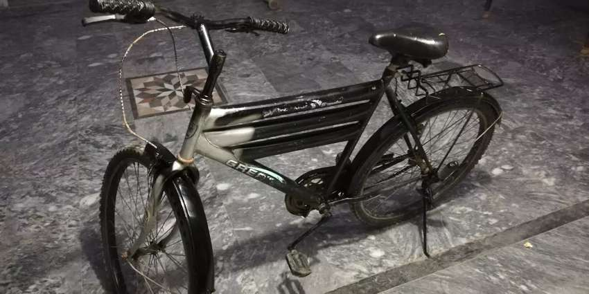Iam selling my cycle in black color 0
