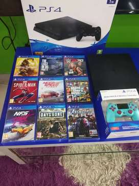 PlayStation 4 Console in good Condition with all accessories available