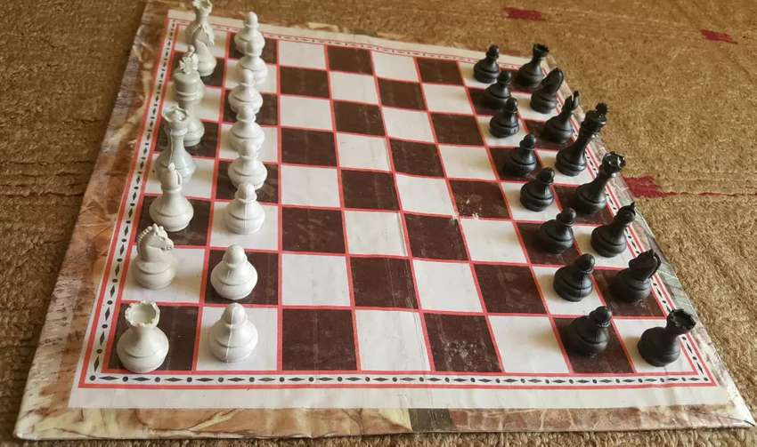 Chess board game + checkers.