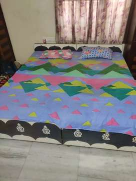 6*6 cot with matress