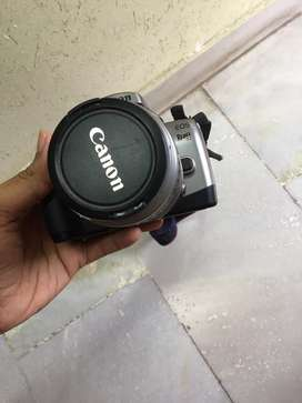 Canon eos rebel t2 with lens