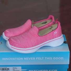 ORIGINAL sepatu Skechers Go Walk 4 Satisfy Slip On Kids Anak Pink BNIB