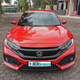 Promo Civic Turbo HB E CVT 2018 awal nik 2017 Merah bs kredit