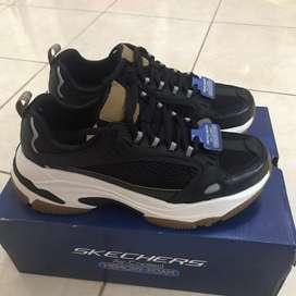 Sepatu Skechers baru original 100%