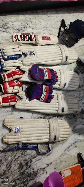 If any one want cricket kit with keeping gloves