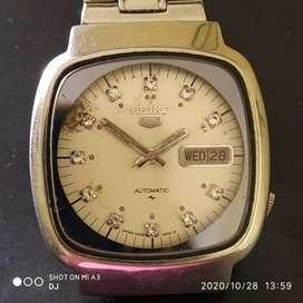 Vintage Seiko 5 series automatic watch