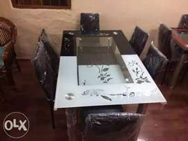 4 & 6 Seater Dining Table at best prices