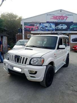 Mahindra Scorpio 2009-2014 SLE BSIII, 2009, Diesel