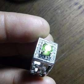 Batu Safir hijau kecil,bkn bacan
