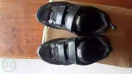 Nike School Shoes black col