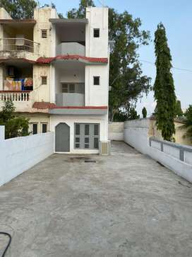 Villa on rent opposite b division police station oslo sector 1 3BHK