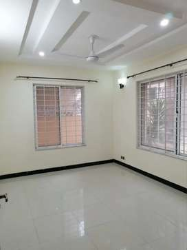 Beautiful 4 Marla Upper Portion For Rent In G13