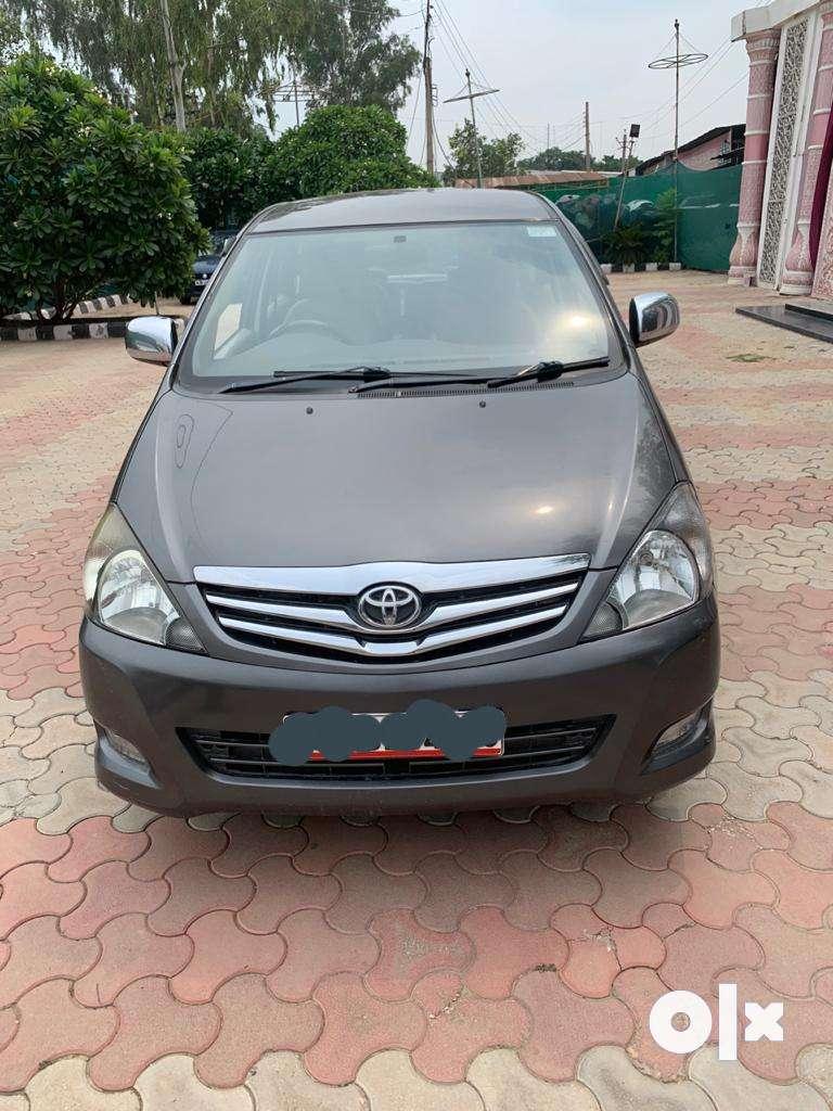 Toyota Innova 2.5 V 7 STR, 2011, Diesel 0