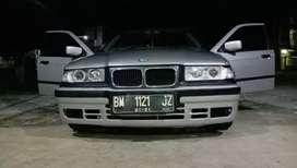 DIJUAL BMW SERIES 3 318i E36 1.8