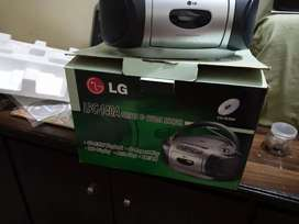 Lg cd and radio with casset player