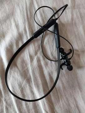 Boat rockerzz 255 wireless earphone