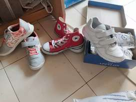 Kids play shoes