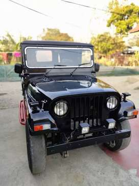 4X4 Mahindra jeep