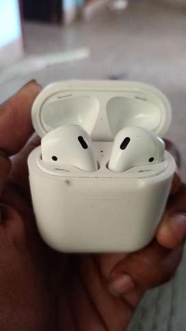 Apple airpods series 2 wireless charging