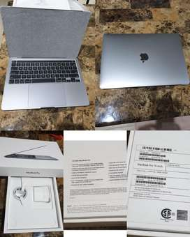 "Macbook Pro 2020 13"" inch 2.0 GHZ i5 10th gen 512Gb - 16Gb Touchbar"