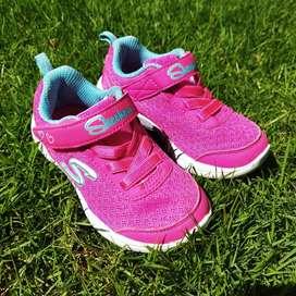 (Preloved) Sepatu Skechers uk. Eur 23 Pink