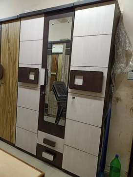 Brand New 3 - Door Wardrob Rs:7499/-Real Price Available
