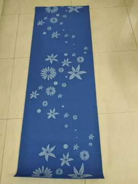 Strauss Long Yoga Mat with cover,  Blue floral design