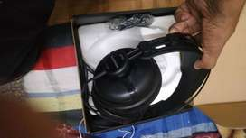 Samson audio monitoring headphone
