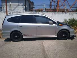 FS honda stream 1.7 type facelift 2004.. cuztom bumper n audio..