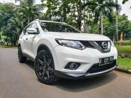 Nissan Xtrail 2.5 2015 AT Bergaransi, Top Condition