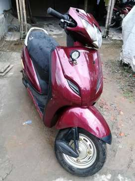 Active 2016 model scooter for urgent sell