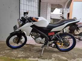 Nvl 150cc warna putih tahun 2014