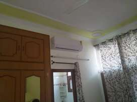 2 Room set Fully-furnished //sec 38// for Girls/Couple
