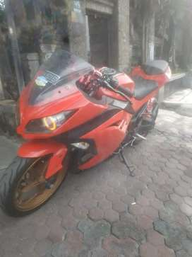 Jual Kawasaki ninja 250cc 2014 posisi di bali