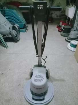 Carpet cleaner machine (numatic)