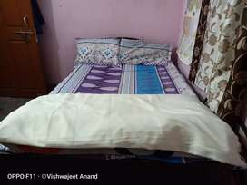 Diwan bed in new like condition withbox