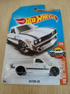 Datsun 620 warna putih