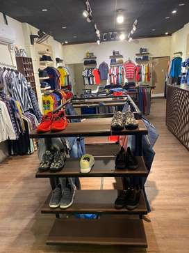 Runing garments shop for sale