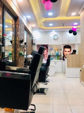 350 sqft beauty parlour rent in golpark Rs-23000 /month