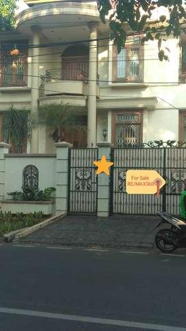 Dijual BU Rumah Pondok Indah Jalan Kartika  Luas:350m2 Siap Pakai